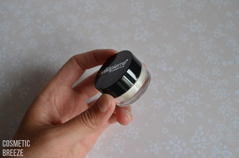 LOOKFANTASTIC BEAUTYBOX AGOSTO 2015 -pigmentos en polvo iluminadores de BellaPIERRE-polvos-envase