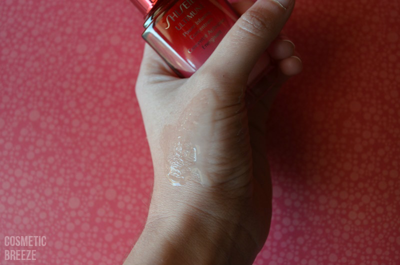 SHISEIDO ULTIMUNE - Dispensador y textura del sérum extendido