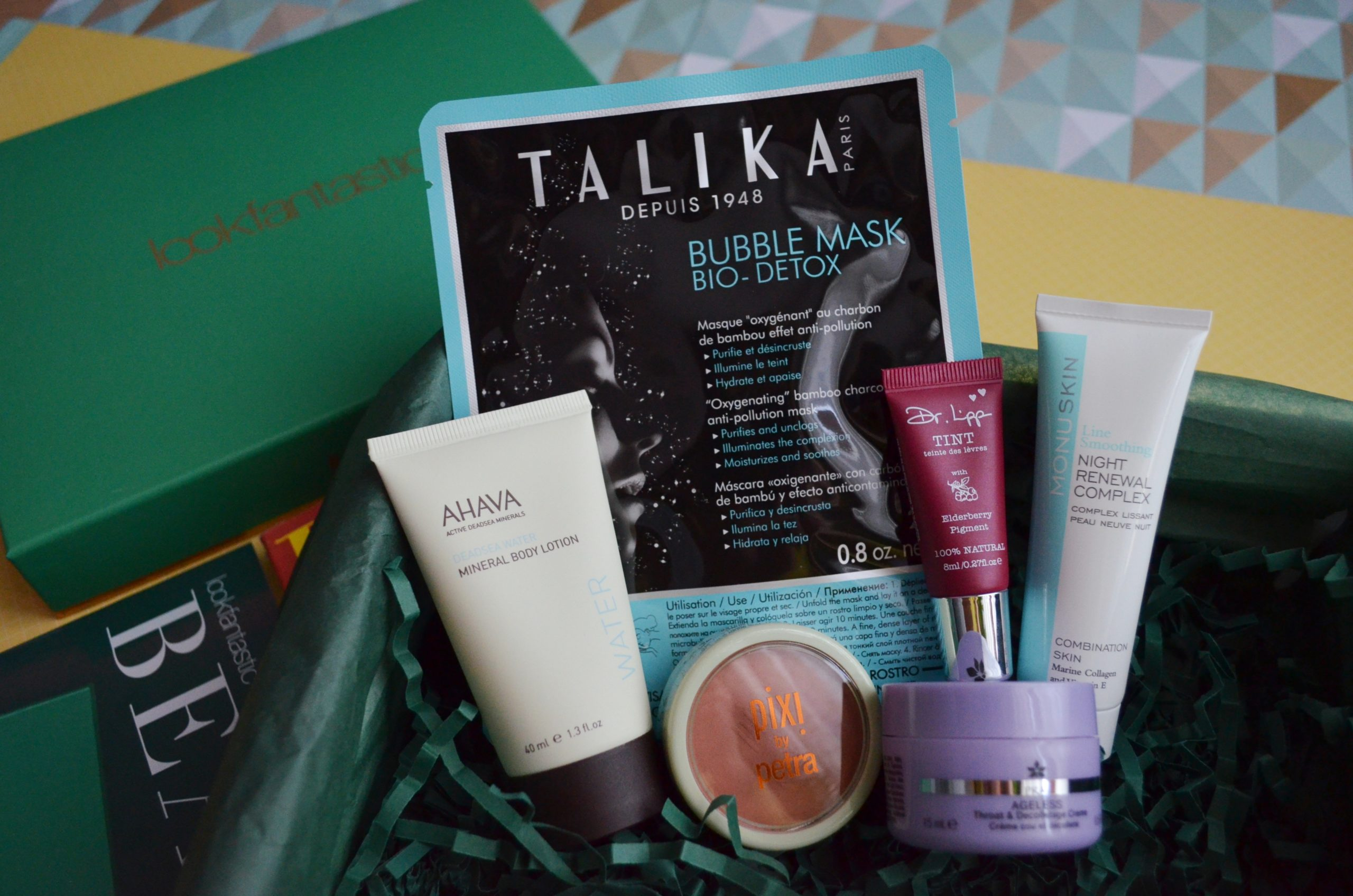 10 - Lookfantastic Beauty Box de Octubre 2018